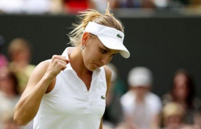 Елена Веснина прошла в третий круг теннисного турнира в Чарльстоне