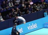 Мужчина пытался выбежать на корт во время поединка Джоковича и Нисикори