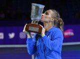 Кузнецова выиграла «ВТБ Кубок Кремля» и квалифицировалась на Итоговый турнир WTA