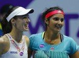 Хингис и Мирза продлили победную серию в матче с Весниной и Касаткиной в Санкт-Петербурге