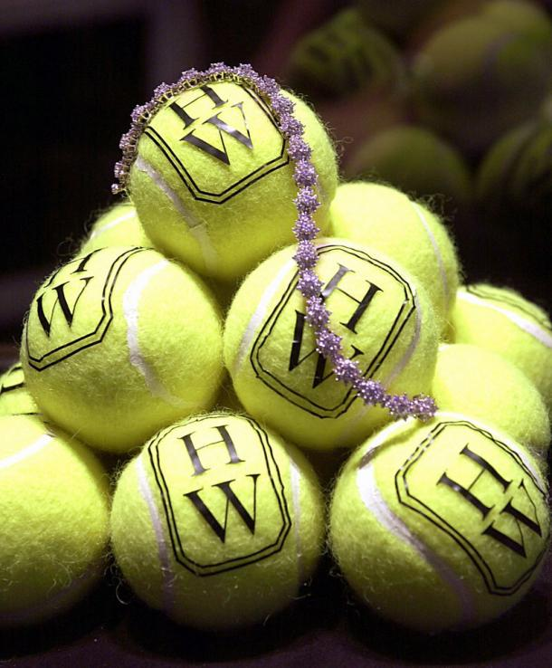 Serena-Williams-models-Harry-Winston-diamond-tennis-bracelet