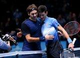 Федерер победил Джоковича и вышел в полуфинал