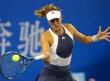 Гарбинье Мугуруса выиграла стартовый матч на Итоговом турнире