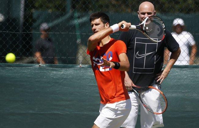 Джокович закончил сотрудничество сАгасси