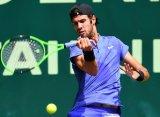 Хачанов проиграл Федереру и не смог выйти в финал турнира в Галле