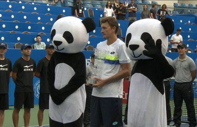 Денис Истомин стал победителем турнира в«Поднебесной»