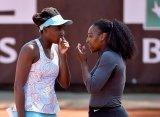 Сёстры Уильямс проиграли на старте парных соревнованиях в Риме