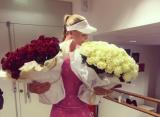 "Джокович подарил теннисисткам ""Ролан Гаррос"" два букета роз"