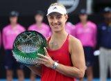 Сидней (WTA). Кербер одолела Барти и стала чемпионкой турнира