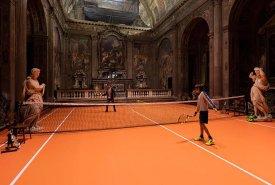 В Милане в церкви Святого Павла сыграли в теннис