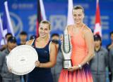 Квитова во второй раз выиграла турнир в Ухане, обыграв №1