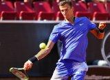 Кузнецов уступил Долгополову в полуфинале турнира в Бостаде