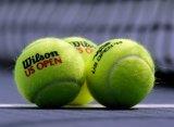 Теннисные мячи: одни – для женщин, другие – для мужчин
