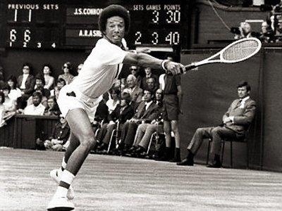 Артур Эш — знаменитый американский теннисист. В честь Артура Эша назван теннисный стадион, являющимся центральным кортом Открытого чемпионата США. Это самый вместительный теннисный стадион в мире (22547 зрителей).