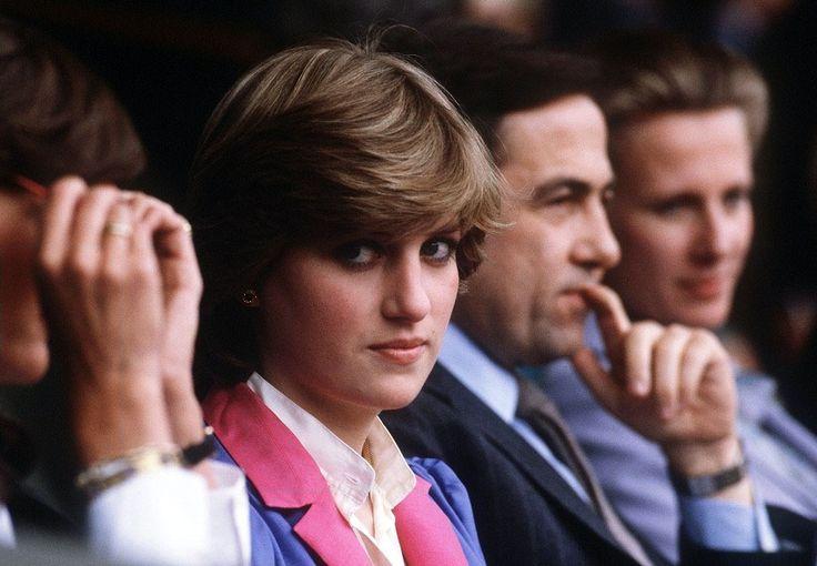 Принцесса в королевской ложе наблюдает за Уимблдонским турниром, 1982.