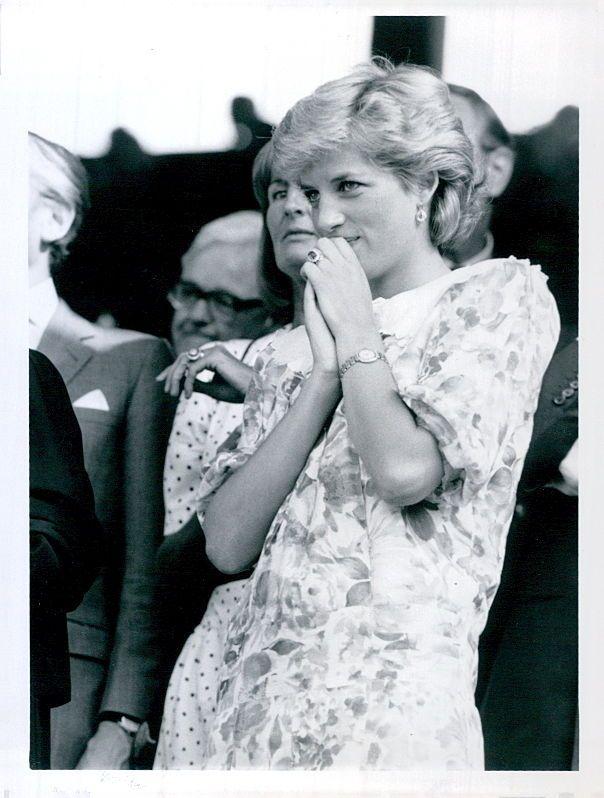 1987 год — принцесса Диана смотрит финальный матч, когда Пэт Кэш, австралийский теннисист, стал чемпионом турнира.