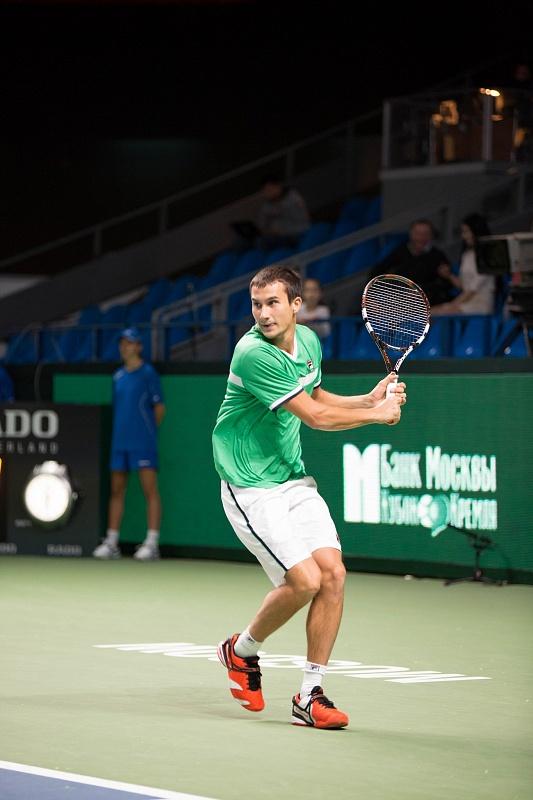 Донской хотел бы улучшить с помощью теннисной ракетки Babolat Play рейтинг в ATP, но для этого готов поработать над своим бекхэндом