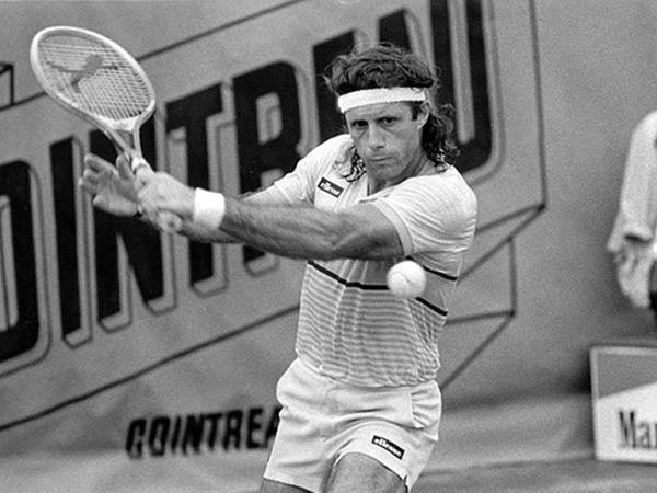 Гильермо Вилас — аргентинский профессиональный теннисист, рекордсмен по числу побед кряду (46 побед с июля по сентябрь 1977 года), сорекордсмен Открытой эры по числу выигранных турниров за сезон (17 в 1977 году), четырёхкратный победитель турниров серии Большого шлема в одиночном разряде.