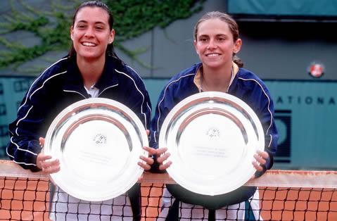 В 1999 Флавия  Пеннета вместе с Робертой Винчи выиграла юниорский Ролан Гаррос.