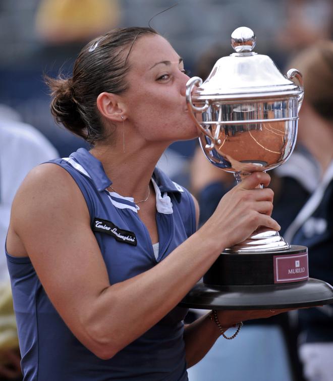 2008 - Флавия выиграла титул в Вино Дел Мар. В финале переиграла Клару Закопалову.