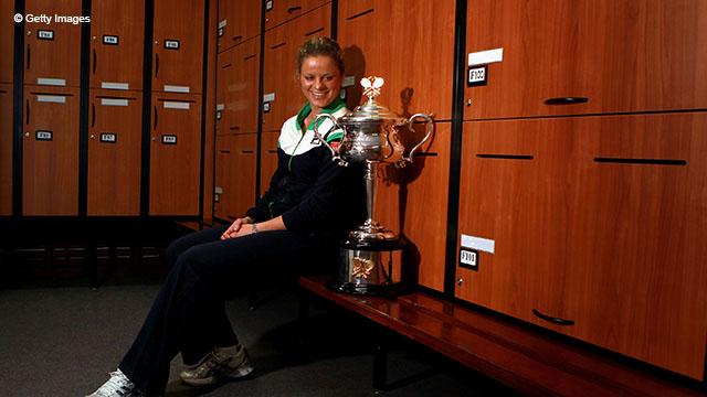 Ким Кляйстерс выиграла Australian Open в 2004 году, победив Ли На со счётом 3-6, 6-3, 6-3.