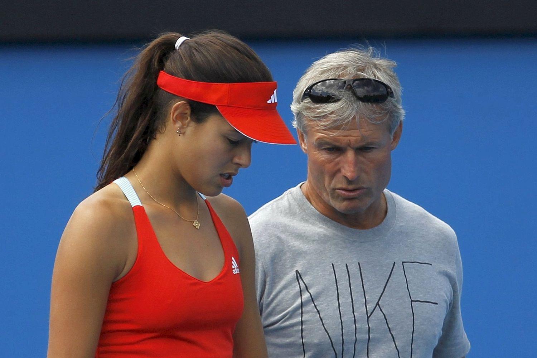 Найджел Сирс на тренировке с Аной Иванович / Фото: Reuters