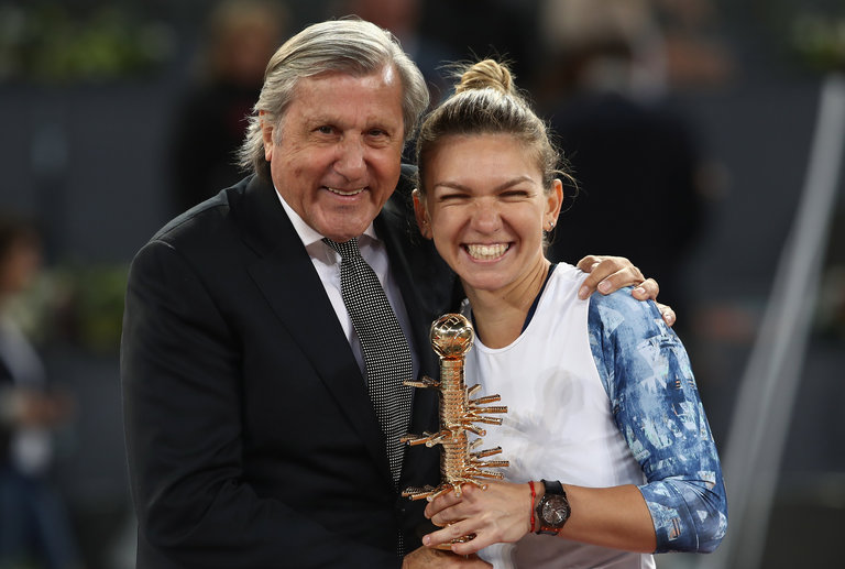 Симона Халеп поддерживает хорошие отношения с легендой румынского тенниса Илие Настасе