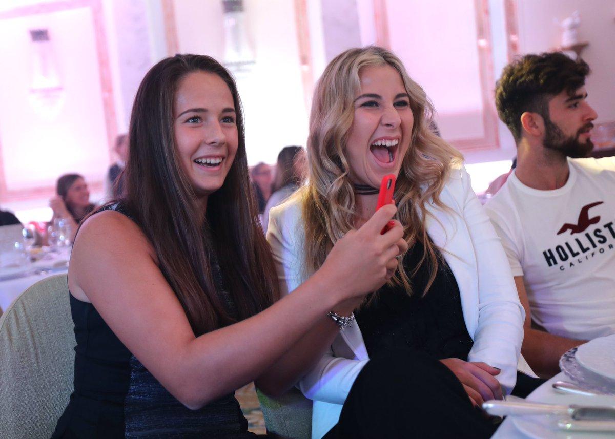 Дарья Касаткина и Белинда Бенчич на вечеринке участниц турнира в Петербурге