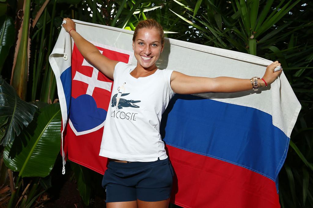Доминика Цибулкова выступает в экипировке компании Lacoste