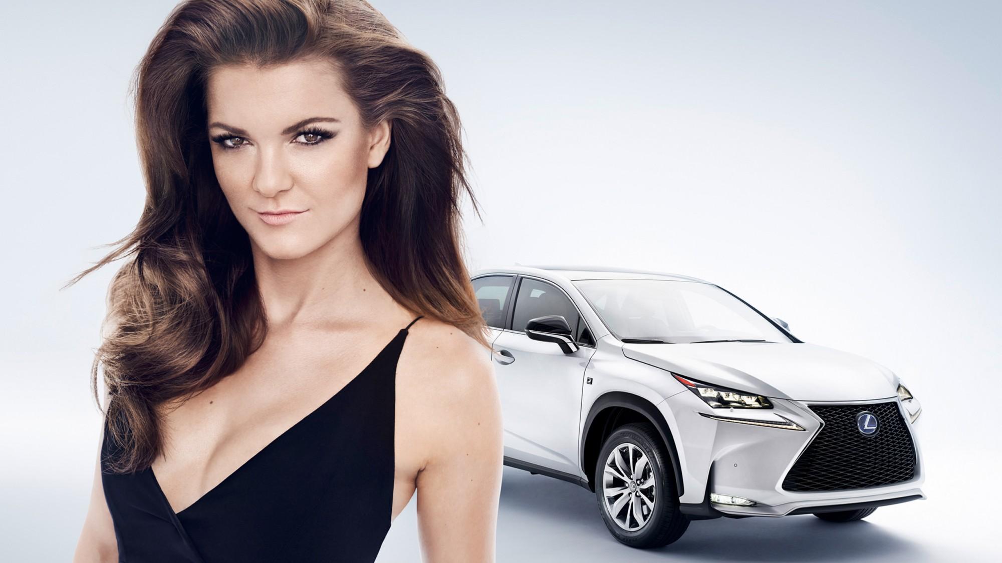 Агнешка Радваньска в фотосессии для Lexus
