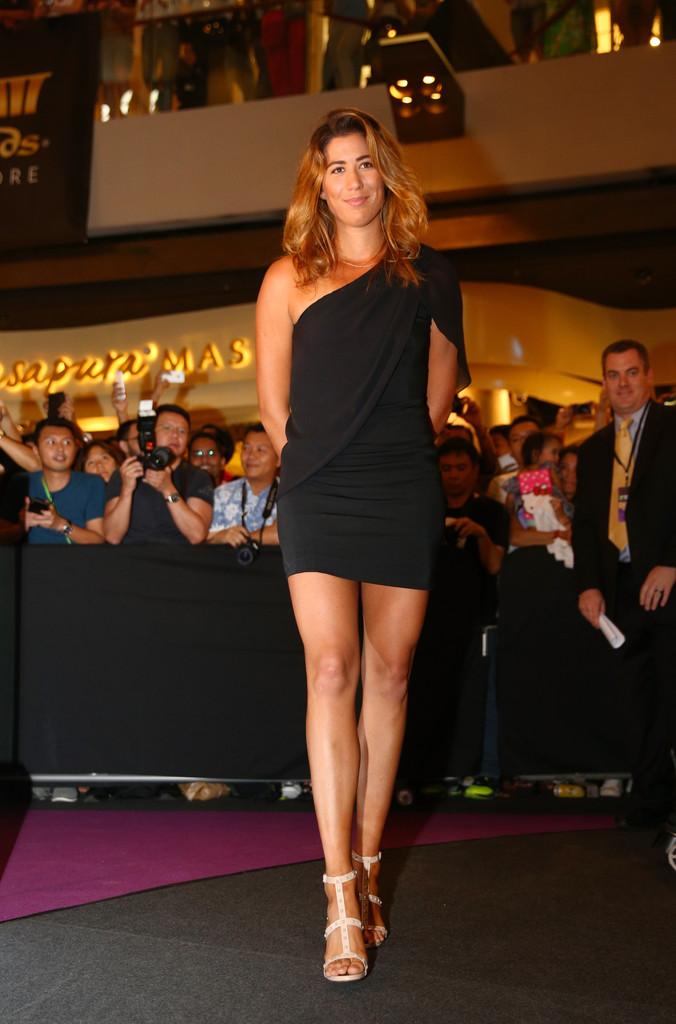 Гарбинье Мугуруса на церемонии жеребьевки Итогового турнира WTA в 2015 году