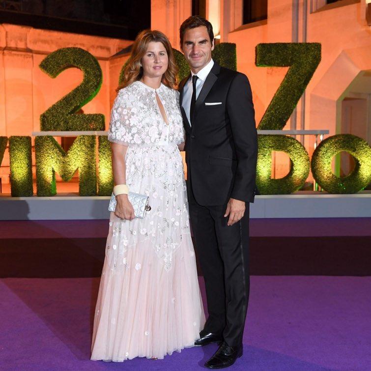 Роджер Федерер, завоевавший рекордный восьмой титул на британском
