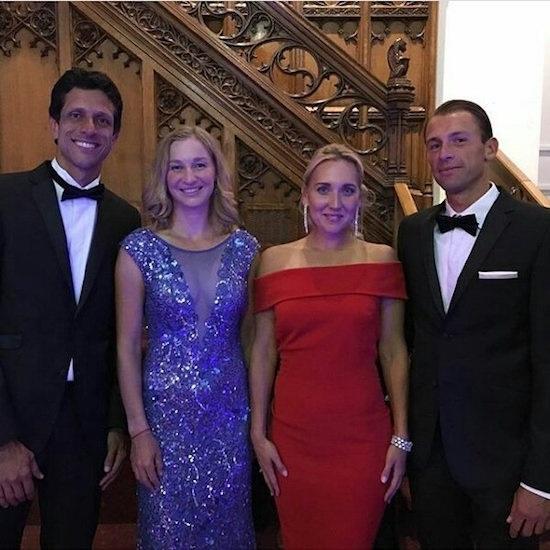 Наши девушки с чемпионами мужского парного турнира Марсело Мело и Лукашем Куботом